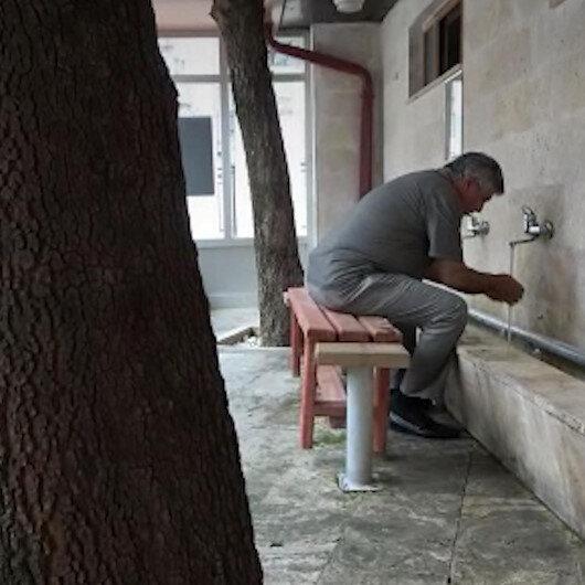 Çevre dostu şadırvan: Ağaçları kesmeye gönülleri el vermedi