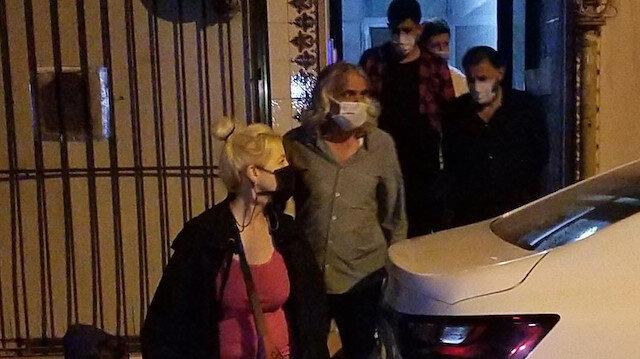 KADES'ten yardım istedi, polisi beklerken kocasını bıçakladı