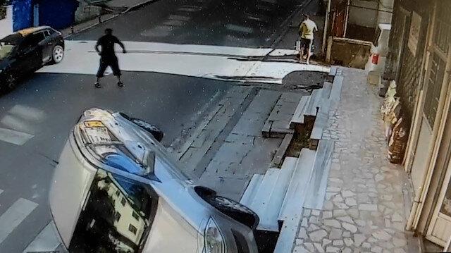 Ataşehir'de sürücüsüz otomobil takla attı: O anlar kamerada