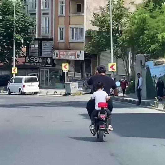 Arnavutköyde trafikte baba ve kızın tehlikeli yolcuğu kamerada