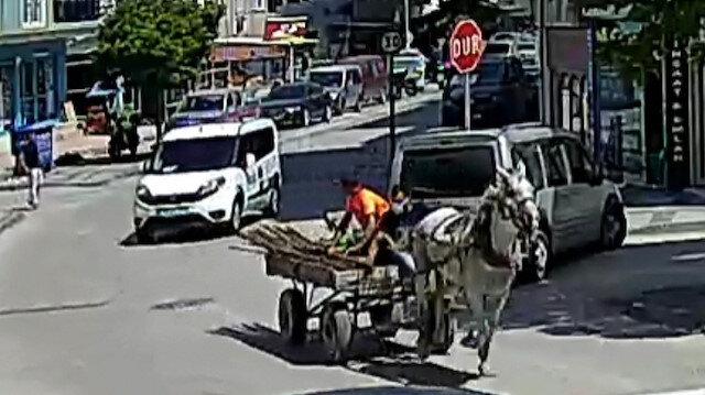 Bursa'da hırsızların polisten at arabasıyla kaçtığı anlar kamerada