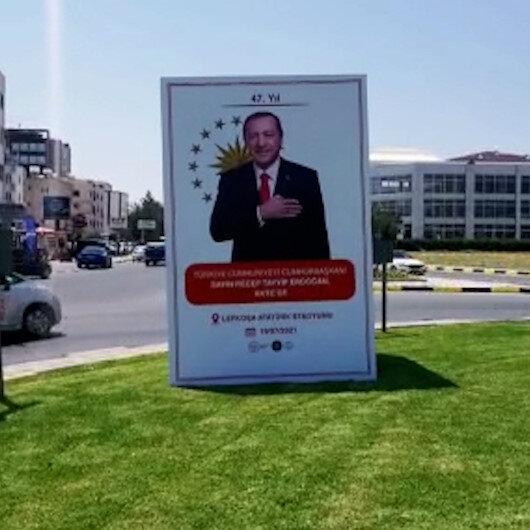 KKTC Cumhurbaşkanı Erdoğanı bekliyor: Caddeler Erdoğan posterleriyle donatıldı