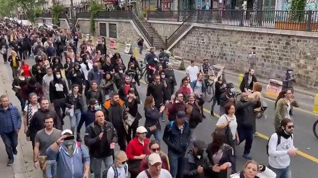 Fransa sokakları yine karıştı: Göstericiler 'Kahrolsun diktatörlük' sloganları attı