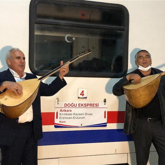 Doğu Ekspresi'ne Kars'ta sazlı sözlü karşılama