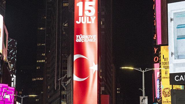15 Temmuz darbe girişimi Times Meydanı'nda anlatıldı