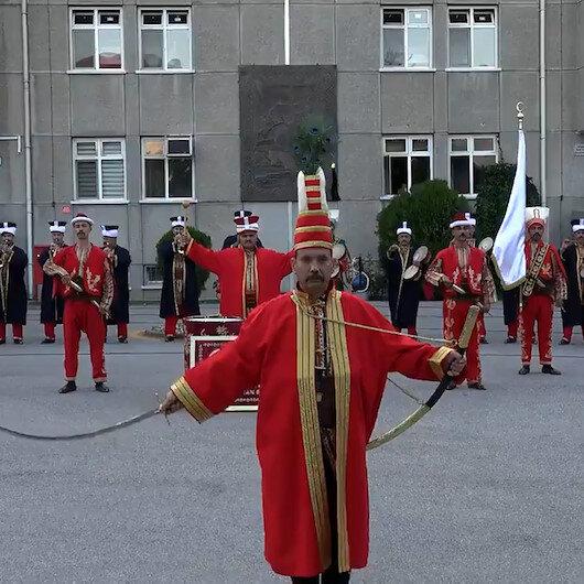 Mehteran Birlik Komutanlığı Demokrasi ve Milli Birlik Günü dolayısıyla konser icra etti