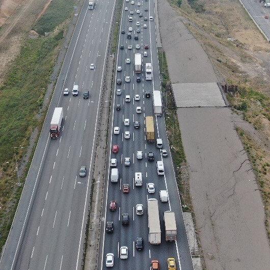 İstanbulda bayram trafiği erken başladı