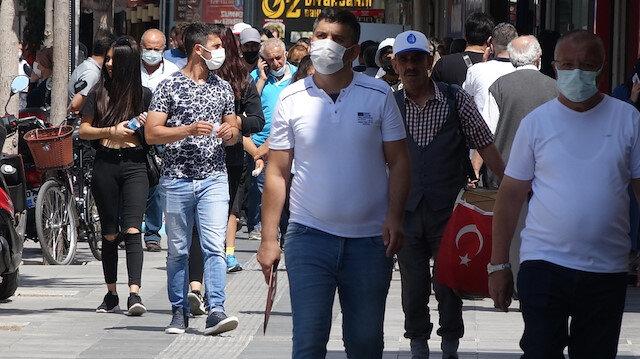 Çorum Valisi Çiftçi: Virüs sıfırlanmadı maskeleri kolumuza değil ağzımıza takalım