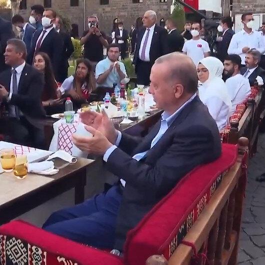 Beştepe Millet Kütüphanesinde Diyarbakırlı gencin Cumhurbaşkanı Erdoğana yaptığı şehrimize davet ediyoruz çağrısı 81 ilden katılımla gerçekleşti