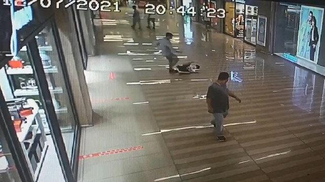 AVM'de 10 yaşındaki çocuk kendisine çarptı diye öldüresiye dövdü: Savcı duyarsız kalmadı