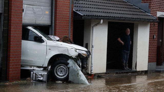 Belçika'daki sel felaketinde ölü sayısı 23'e yükseldi: 36 saattir çatılarda yardım bekleyenler var!