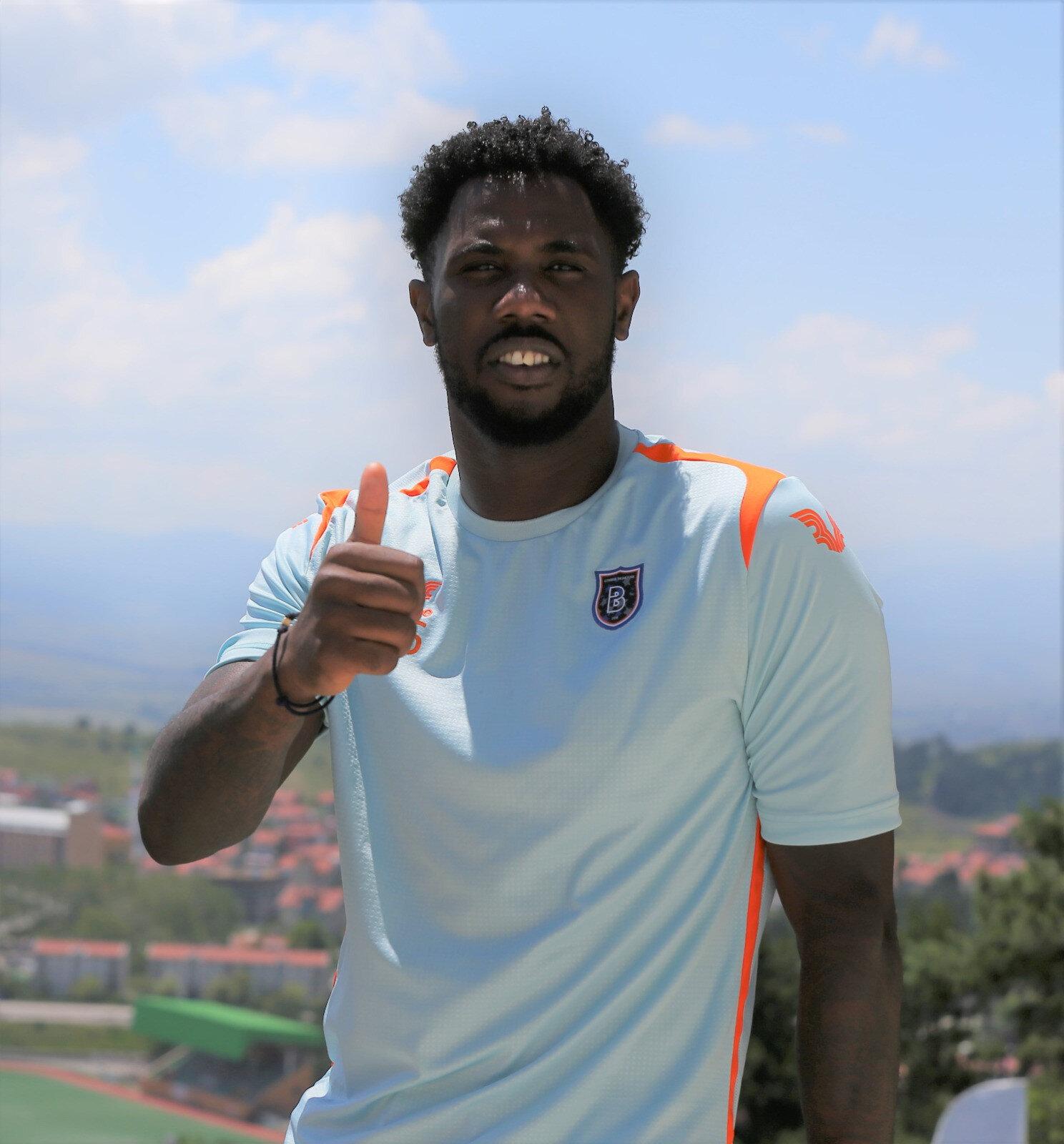 Ponck'un kulübüyle 2023 yılına kadar sözleşmesi bulunuyor.