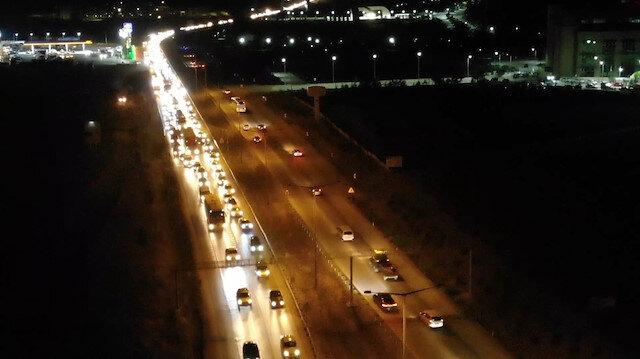 Kırıkkale'de 43 ilin geçiş güzergahında bayram trafiği devam ediyor
