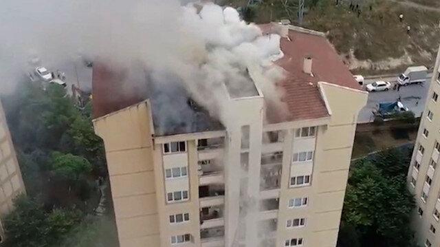 Başakşehir'de korkutan çatı yangını