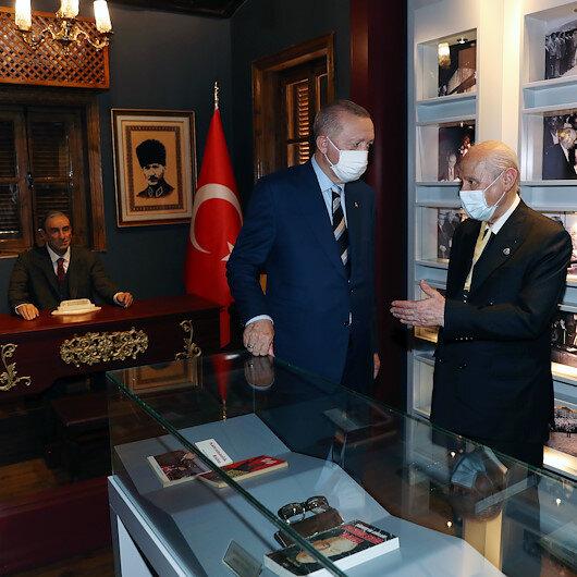 Cumhurbaşkanı Erdoğandan Alparslan Türkeşin doğduğu müze eve ziyaret
