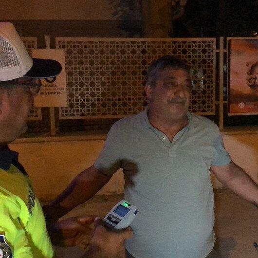 Ispartada polisin alkollü sürücüyle imtihanı: Sizin makineniz bozuk