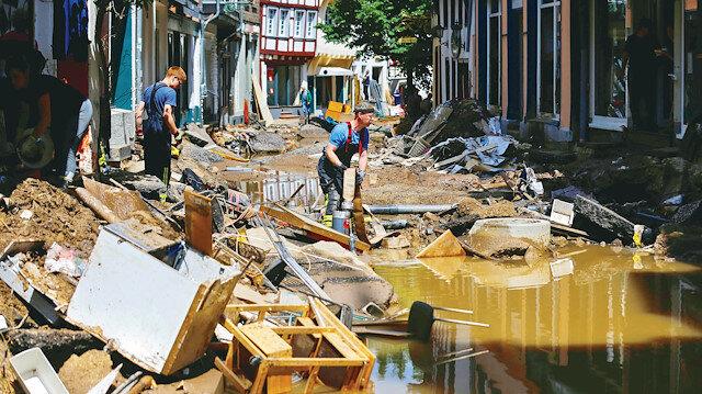 Almanya sel krizini yönetemiyor
