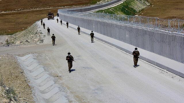 Hudut Kartalları' bayramda da sınır nöbetinde