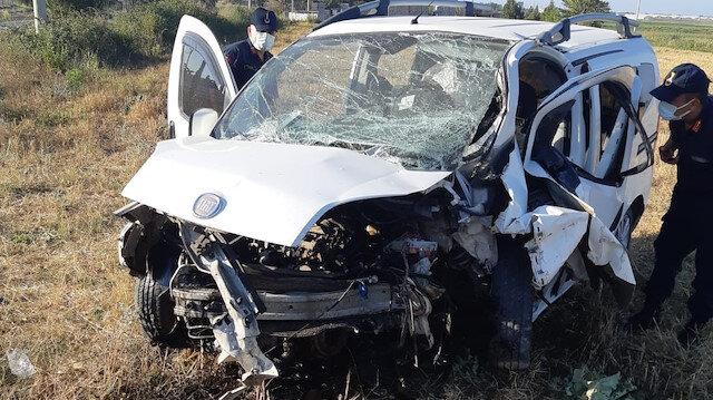 Antalya'da feci kaza: Baba öldü anne ve 2 çocuğu yaralandı