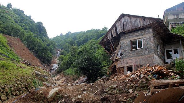 Rize'deki selde 47 bina yıkıldı, 99 binada ağır hasar var