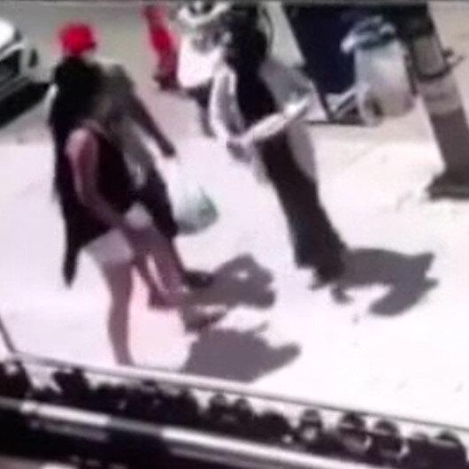Küçükçekmece'de başörtülü kadına saldırı kamerada