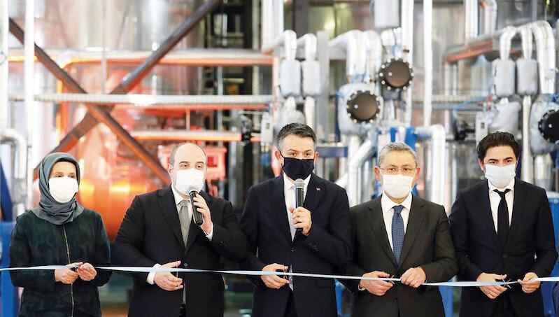 Türkiye'nin ilk yerli enzim tesisi geçtiğimiz yıl, Sanayi ve Teknoloji Bakanı Mustafa Varank ve Tarım ve Orman Bakanı Bekir Pakdemirli'nin katıldığı törenle açılmıştı.