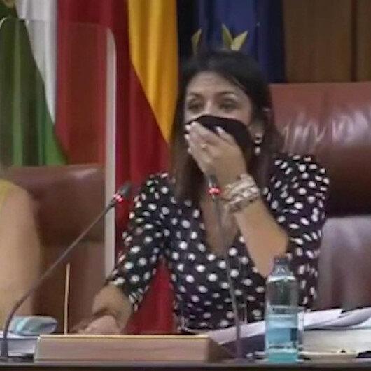 Endülüs Parlamentosuna giren fare milletvekillerini korkuttu