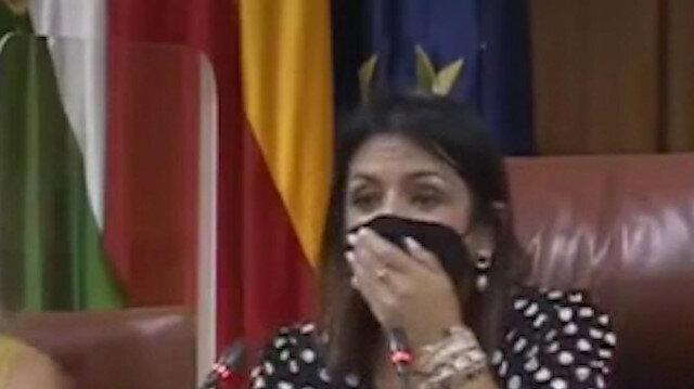 Endülüs Parlamentosu'na giren fare milletvekillerini korkuttu
