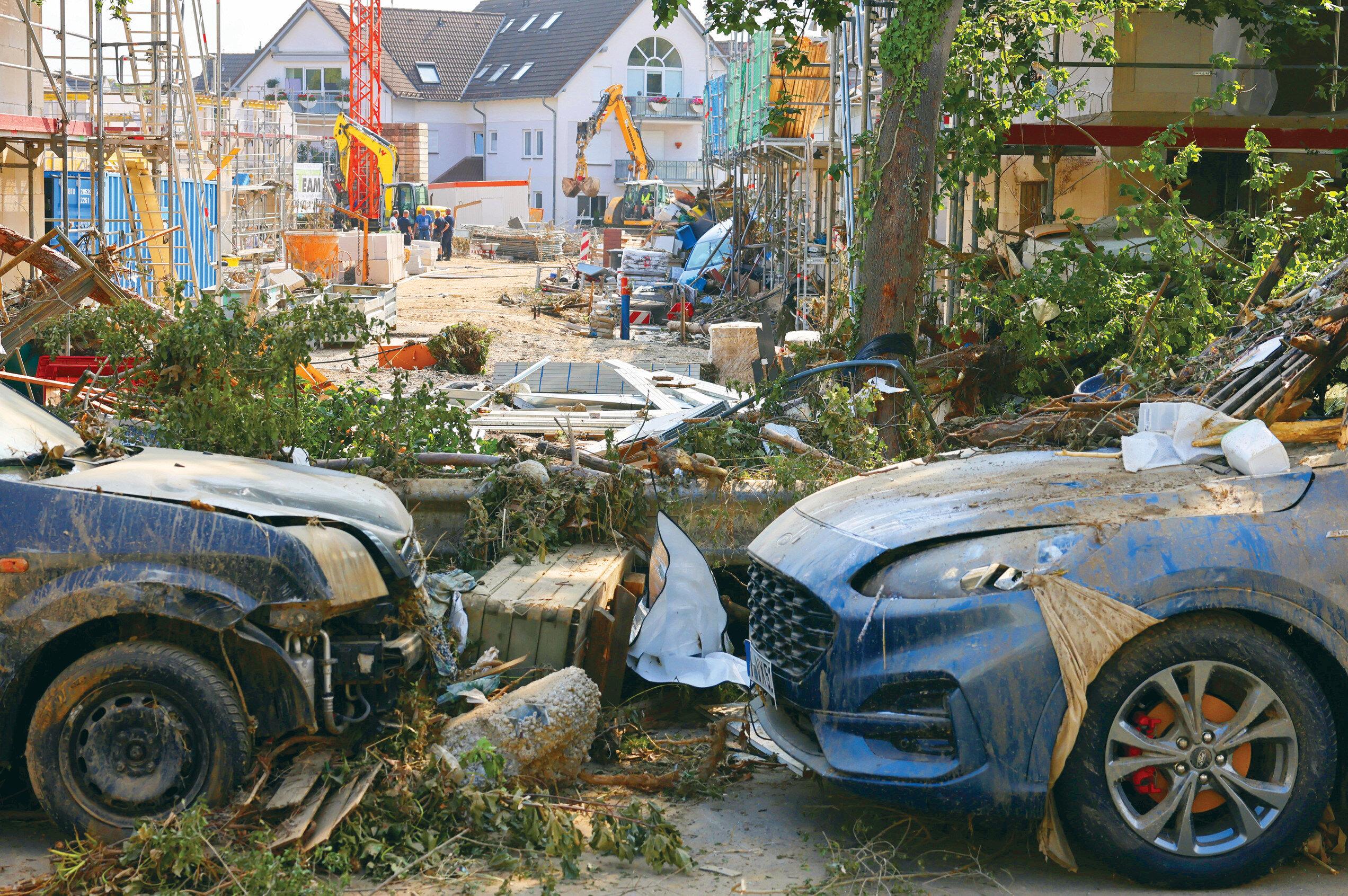 Almanya'da meydana gelen sel felaketi sonrası şehirler harabeye döndü.