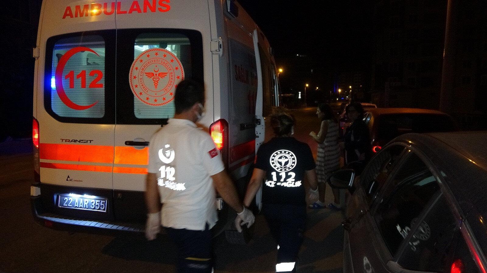 Çıkış nedeni bilinmeyen yangında sitedeki 50 kişi tedbir amacıyla tahliye edildi.