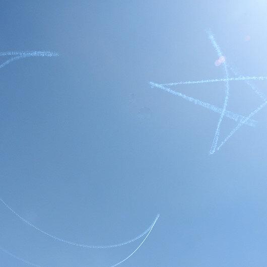 Türk Yıldızlarından Kıbrıs semalarında nefes kesen gösteri