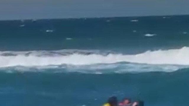 Bartın'da boğulma tehlikesi geçiren 2 kişinin kurtarılma anı kameraya yansıdı