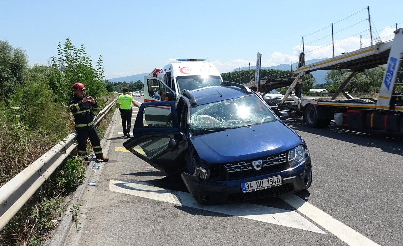 Aynı aileden 5 kişi yaralandı.