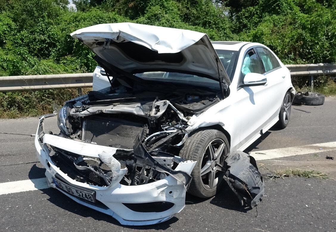 Araç sürücüsü Yaşar Yıldırım kazada yaralandı.