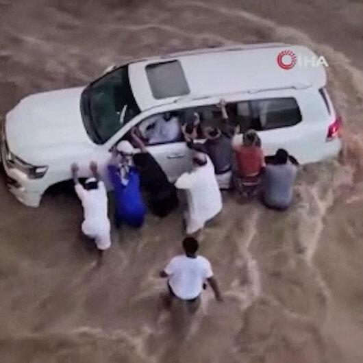 Suudi Arabistandaki sel: 3 kişi hayatını kaybetti