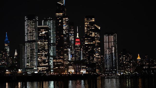 Empire State Binası Türk bayrağı renkleriyle ışıklandırıldı