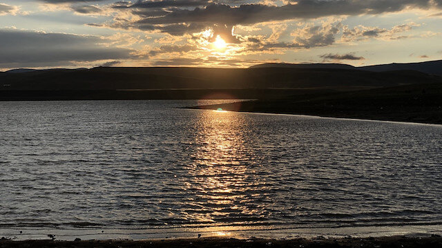 Kars'ta kartpostallık görüntü: Günbatımı görenleri hayran bıraktı