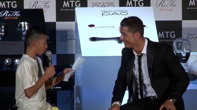 Portekizce konuşmaya çalışan çocuğa Ronaldo'dan destek: Ona neden gülüyorsunuz? Denemekten korkmuyor