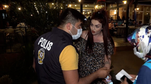 'Yaz cezamı' diyerek maske takmamakta ısrar eden kadın tepki topladı