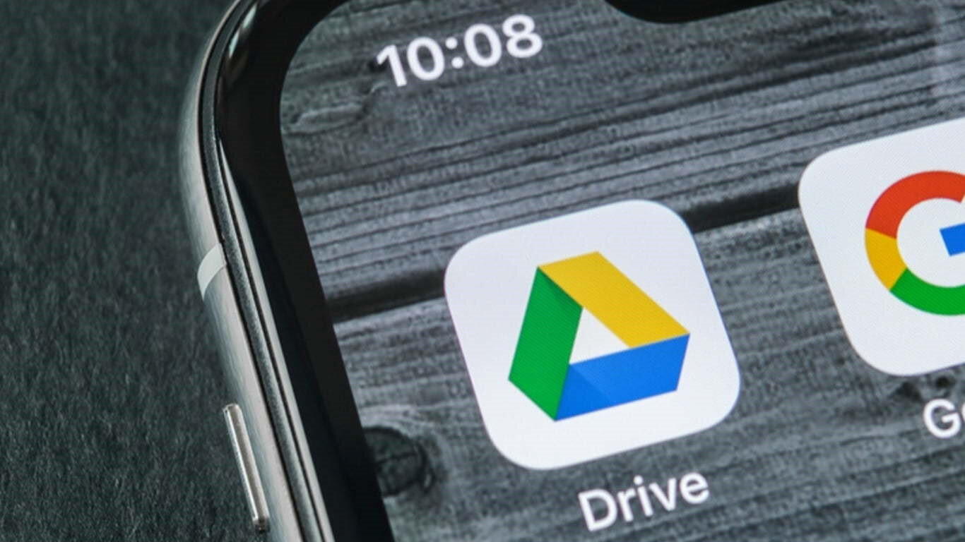 iPhone'lardan Google Drive'a aktarım gerçekleştirip daha sonrasında Android cihazlarda aynı hesabı açarak da benzer işlem gerçekleştirilebiliyor.