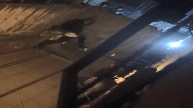 Esenyurt'ta taksi ücretini vermemek için kaçan adam bahçe duvarından böyle düştü