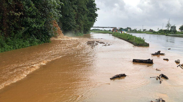 Rize ve Artvin'de beklenen yağış başladı: 112 ev tahliye edildi