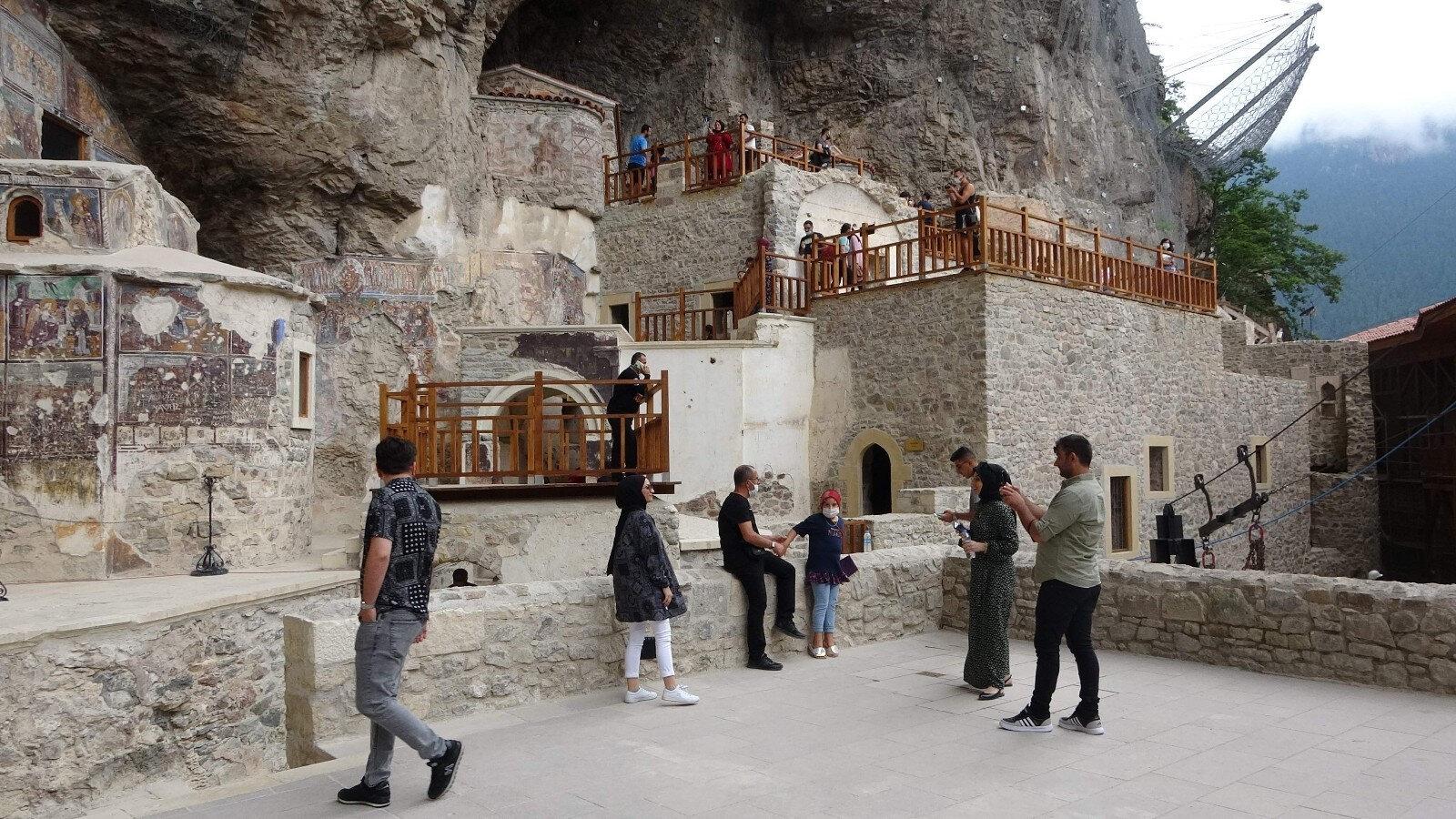 Sümela Manastırı 1 Temmuz'da Kültür ve Turizm Bakanı Mehmet Nuri Ersoy'un katılımı ile tamamen ziyarete açılmıştı.
