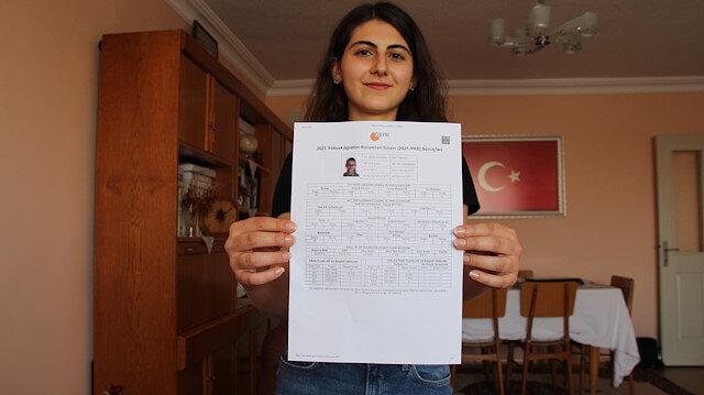 YKS'de AYT eşit ağırlık birincisi Konyalı Melike Demirbağ başarısının sırrını bu sözlerle anlattı