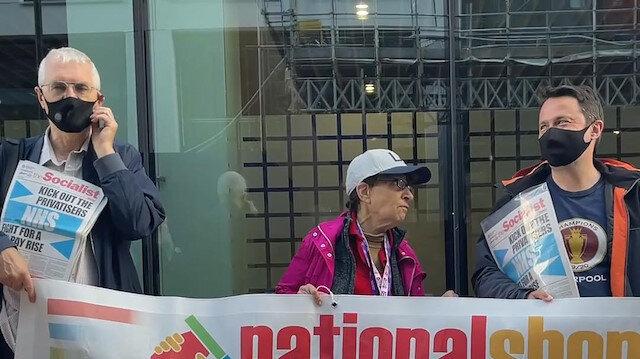 İngiltere'de sağlık çalışanları koruyucu ekipman eksikliğini protesto etti: Doğru düzgün korunmaya ihtiyacımız var