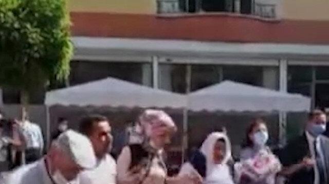 Oğlu güvenlik güçlerine teslim olan Ayşegül Biçer'in bayram günü: HDP binası önünde kurban kestirip halay çekti