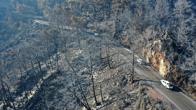 Marmaris'te yanan ormanlık alanlar havadan görüntülendi: Facianın boyutları ortaya çıktı