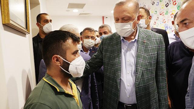 Cumhurbaşkanı Erdoğan'dan Manavgat'taki yangında hayatını kaybeden Kardaş çiftinin oğluna baş sağlığı
