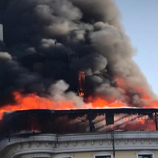 Ankarada bir otelin çatısında yangın çıktı