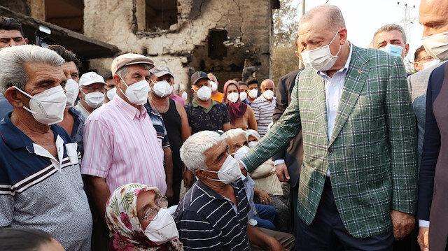 Cumhurbaşkanı Erdoğan Manavgat'ta orman yangınından etkilenen vatandaşlarla bir araya geldi